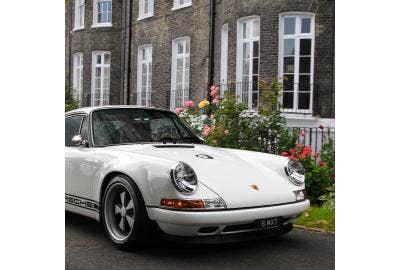 Early aircooled Porsche 911 side profile