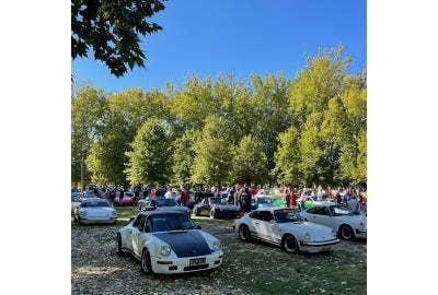 Porsches gather in McDonalds carpark for LuftWasser 21