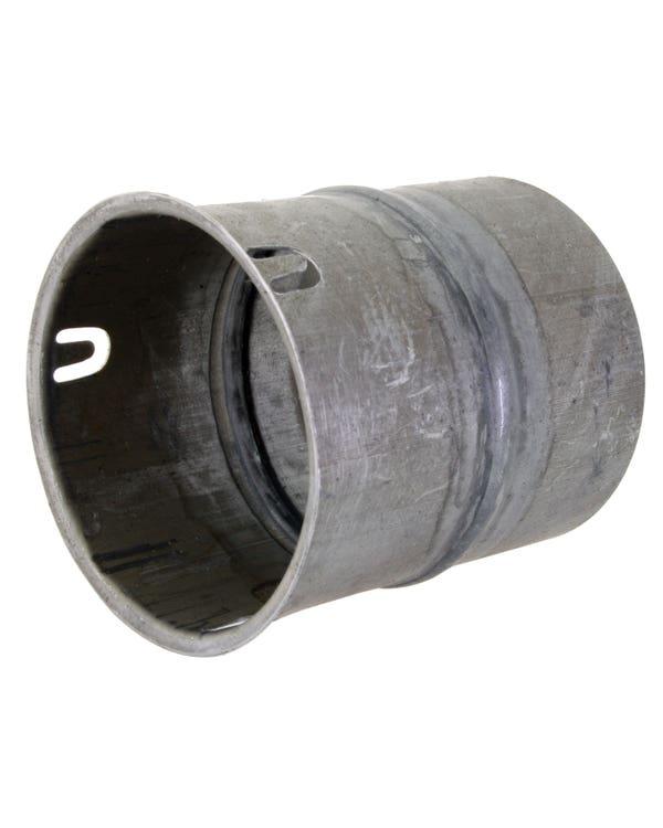 Alojamiento del tubo de salida de la calefacción
