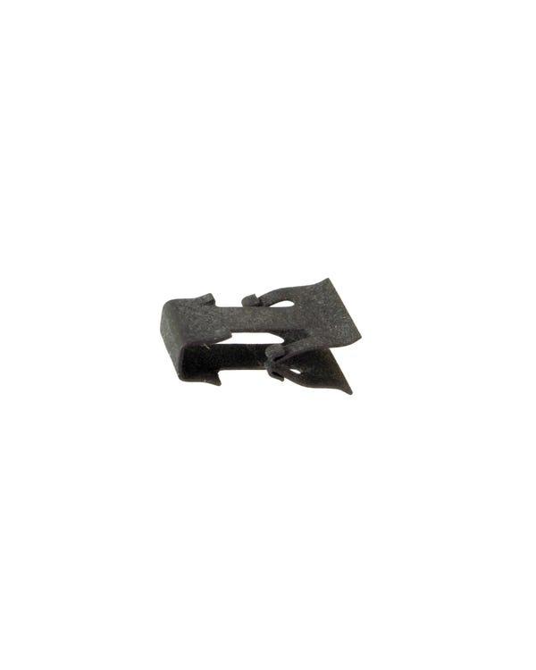 Front Seat Tilt Lever Securing Clip