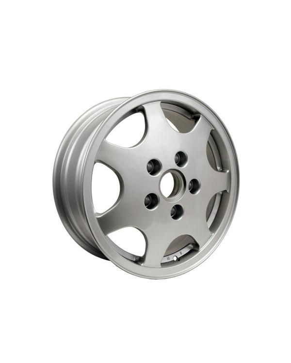 Rueda diseño 90, 6Jx16'' ET51.3 plata