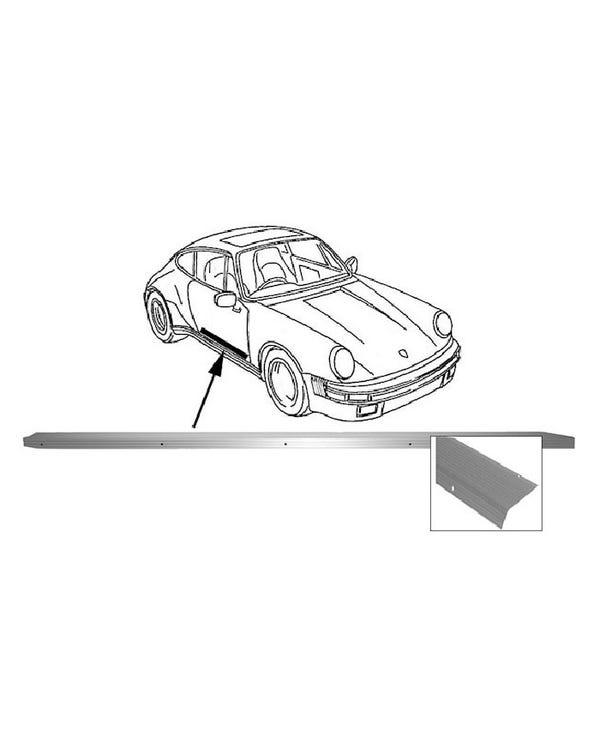 Moldura aluminio interior talonera derecha.