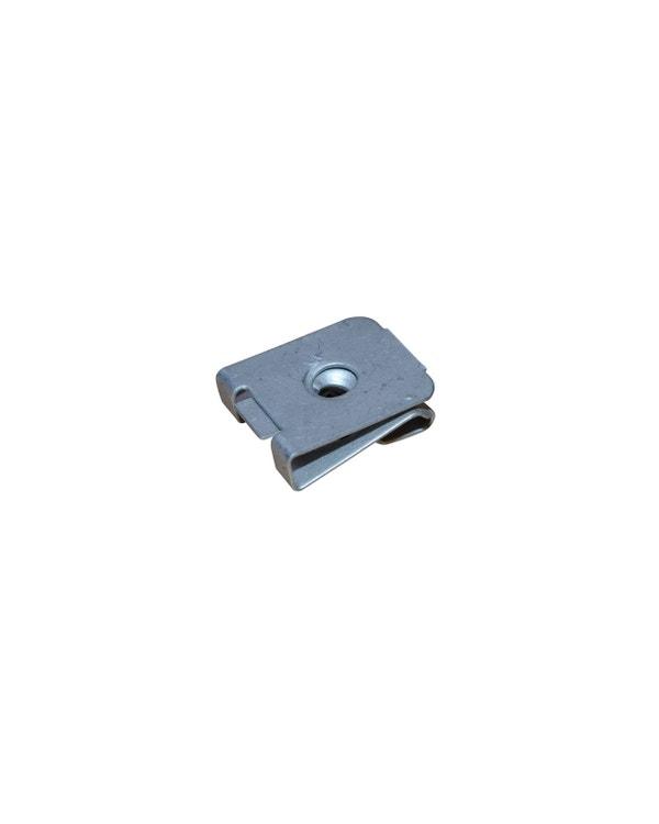 Blechmutter 4.8mm
