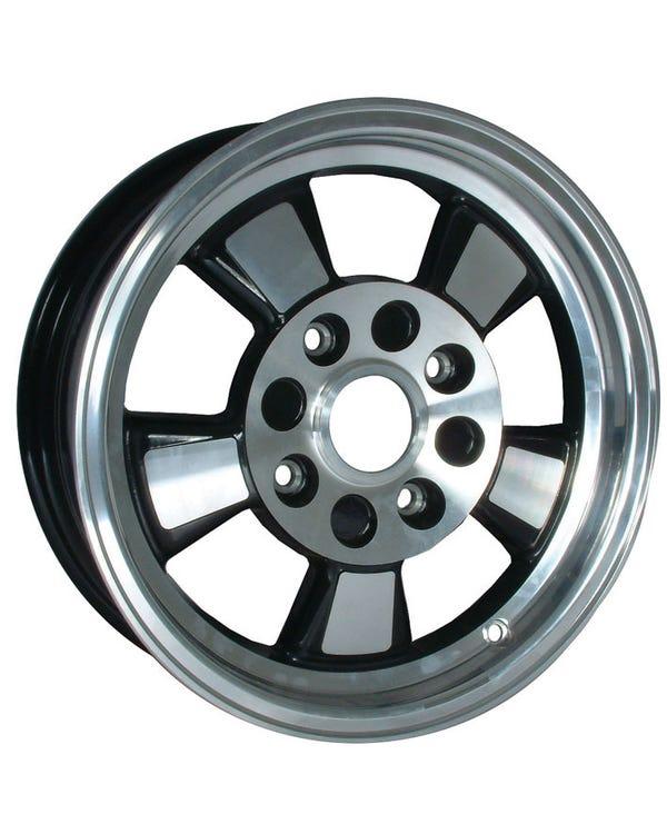 Rueda Riviera negra 5.5Jx15 con patrón de espárragos 4x130