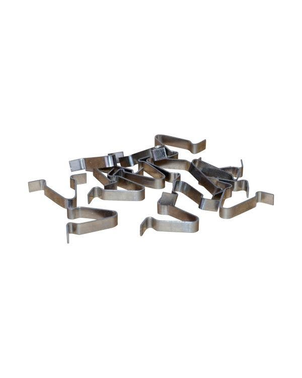Outer Scraper Moulding Clips Supplied in Bags of 14