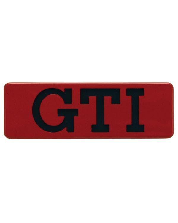 Emblem für die Seite, GTI, schwarzer Text mit rotem Rand
