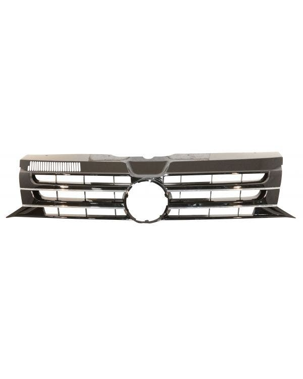 Radiator Grille with Badge Recess in Gloss Black with Chrome Trim